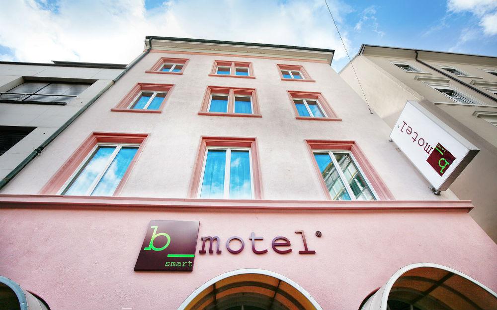 Hotel b_smart motel Basel ***