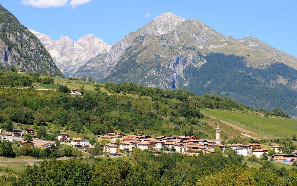 Trentino-Alto Adige - Villa Banale/Stenico (TN)