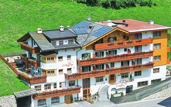 Hotel Bergfrieden ***S