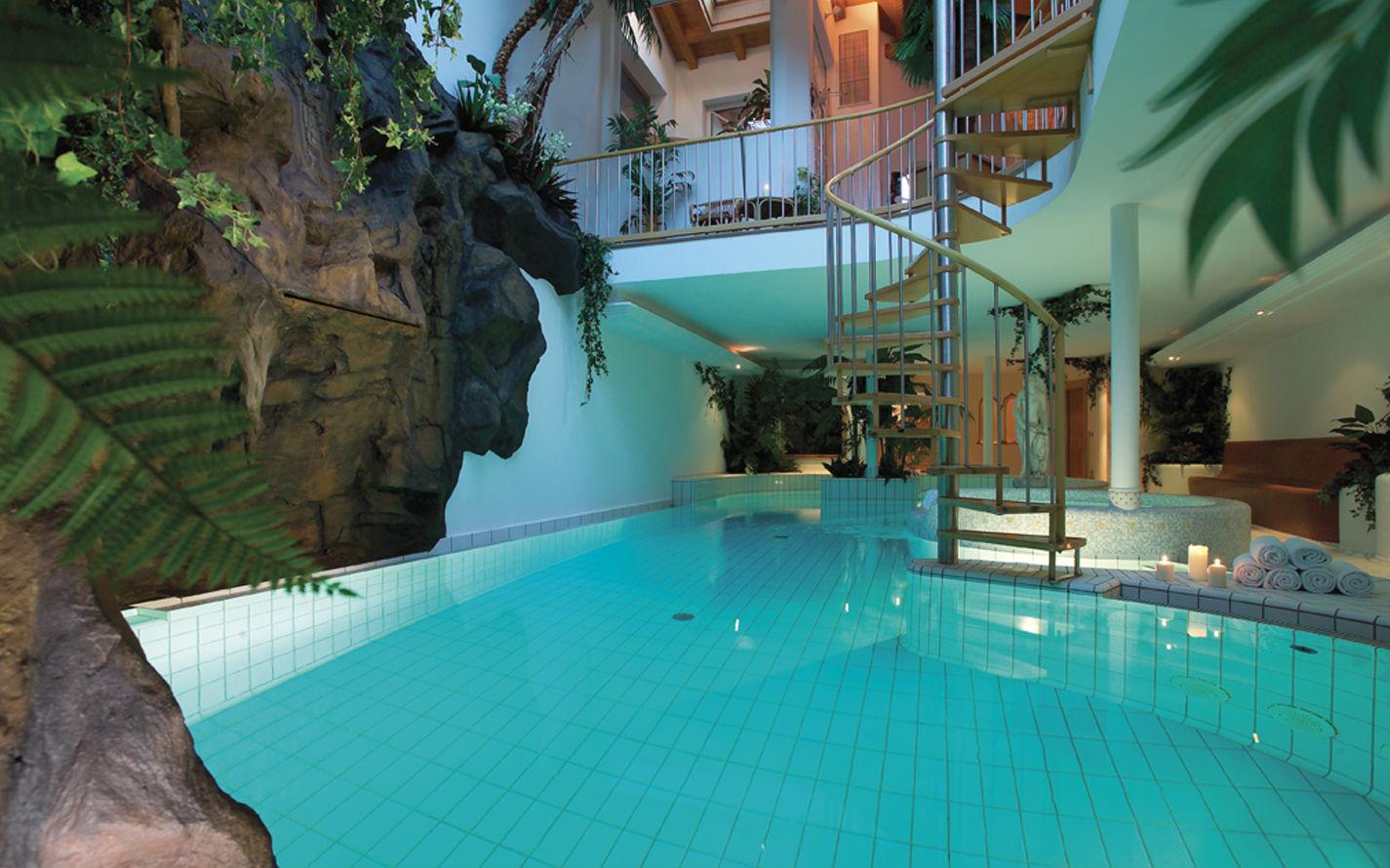 Hotel luna mondschein trentino alto adige ortisei bz offerta dpi viaggi bambini - Hotel con piscina termale per bambini ...