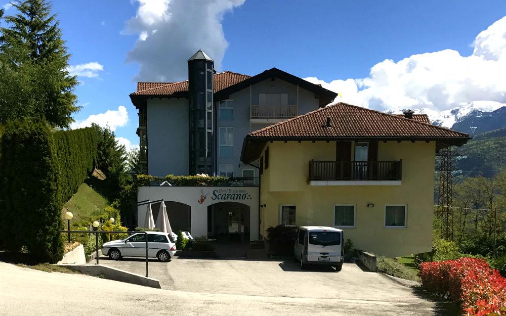 Hotel Scaranò ***